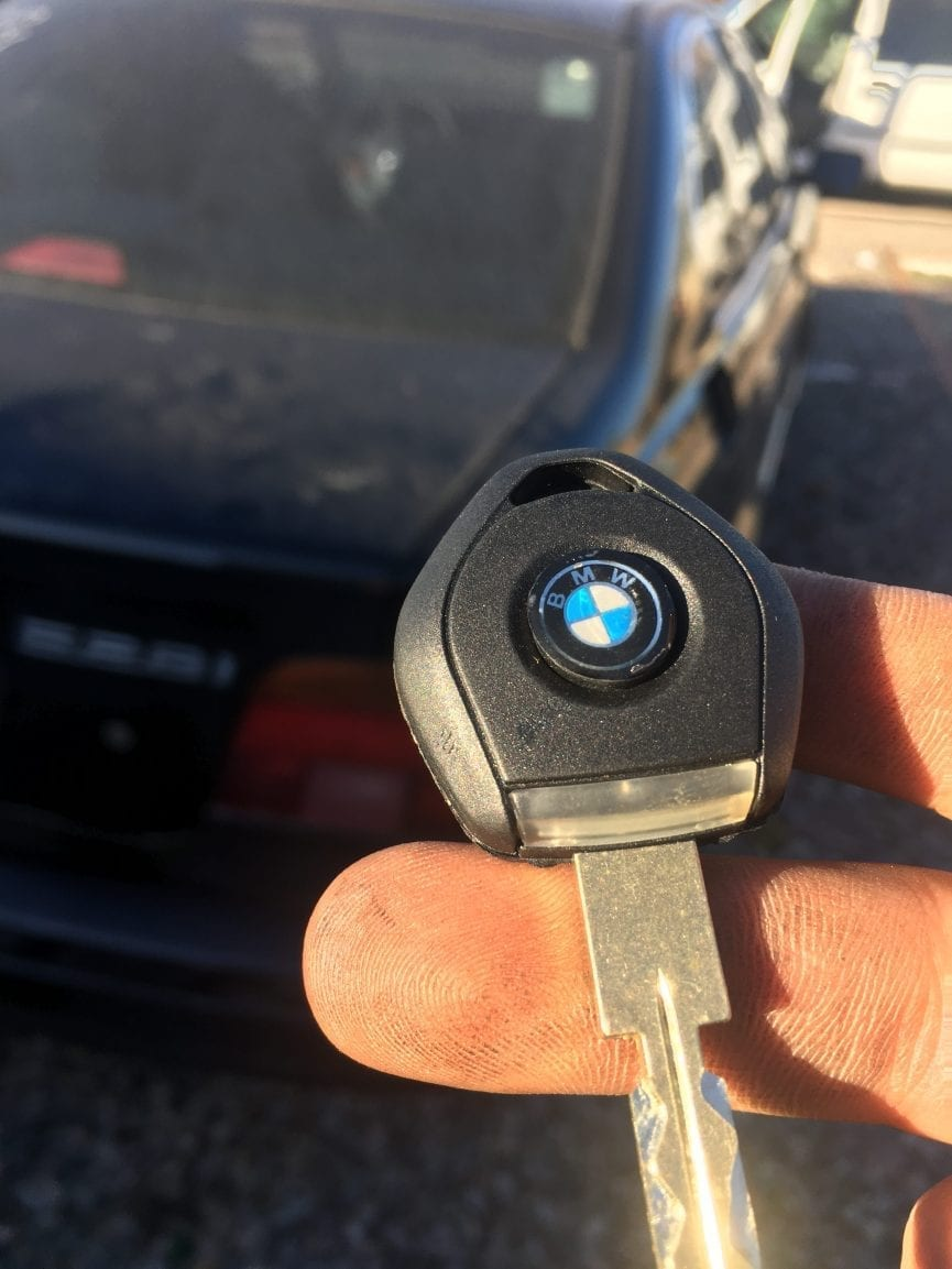 new replacement car key for BMW 520i 2002 made by johnny locksmith